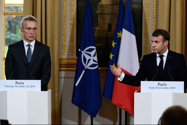 Emmanuel Macron et Jens Stoltenberg en conférence de presse à l'Elysée jeudi.