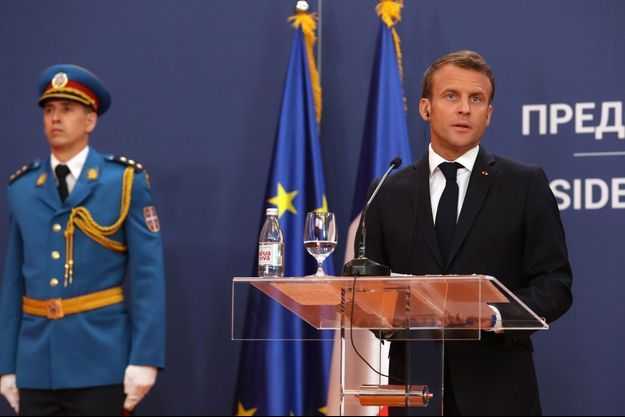 Emmanuel Macron lundi lors d'une conférence de presse à Belgrade