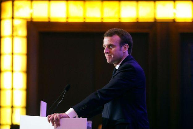 Emmanuel Macron devant la communauté arménienne mardi soir.