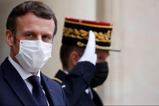 Emmanuel Macron, mi-décembre.