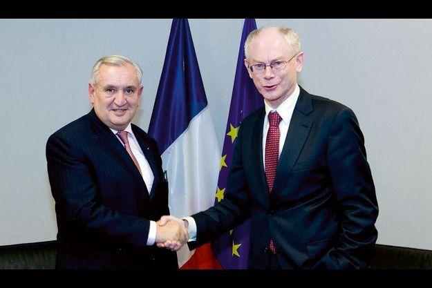 Jean-Pierre Raffarin a rencontré à Bruxelles le nouveau président du Conseil Herman Van Rompuy.