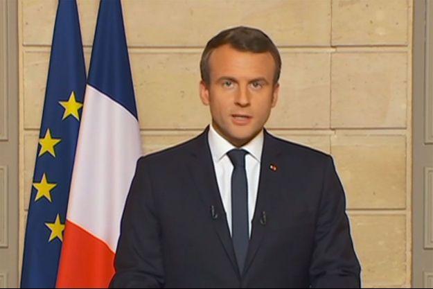 Emmanuel Macron dans la vidéo diffusée après l'annonce du retrait de l'accord de Paris par Donald Trump.