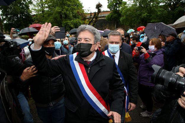 Jean-Luc Mélenchon lors d'un meeting à Aubin, dans l'Aveyron, dimanche.