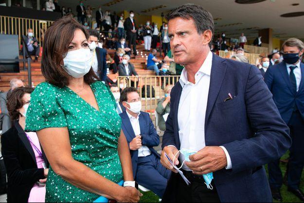 Anne Hidalgo et Manuel Valls le 27 août à la «rencontre des entrepreneurs de France», organisée par le Medef à l'hippodrome de Longchamps.