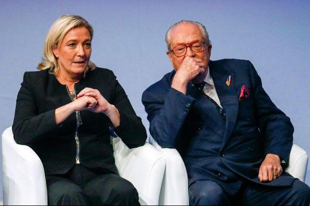Marine et Jean-Marie Le Pen ici en novembre 2014 à Lyon.