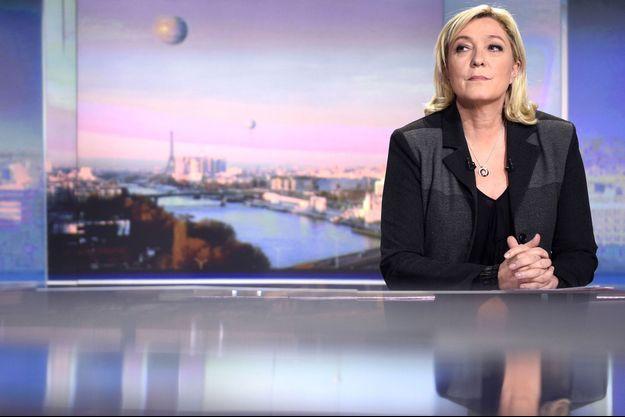 Marine Le Pen sur le plateau de TF1, jeudi soir.
