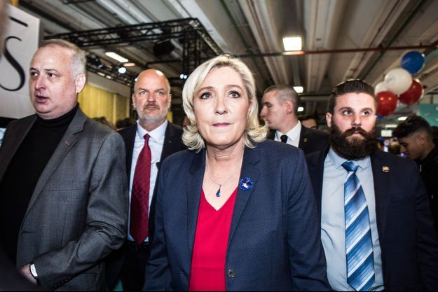 Marine Le Pen, le 12 novembre dans les allées du salon Made in France à Paris.