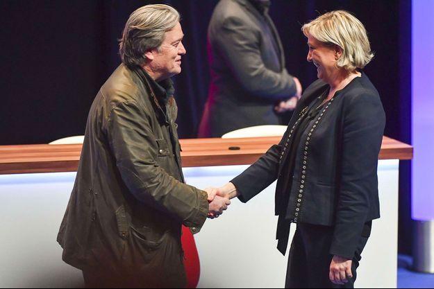 Steve Bannon et Marine Le Pen à Lille, le 10 mars.