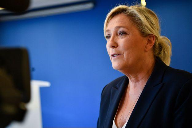Marine Le Pen, dimanche à Nanterre.
