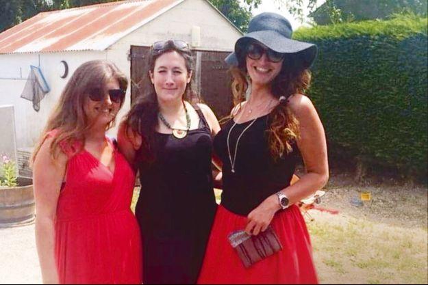 Marlène Schiappa avec ses soeurs, Carla et Angela