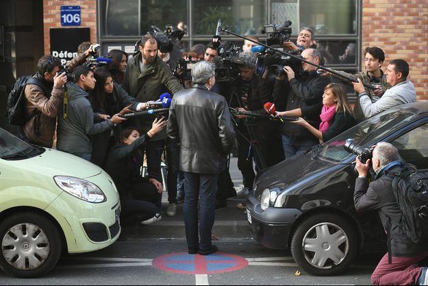 Jean-Luc Mélenchon face aux journalistes à Nanterre, jeudi.