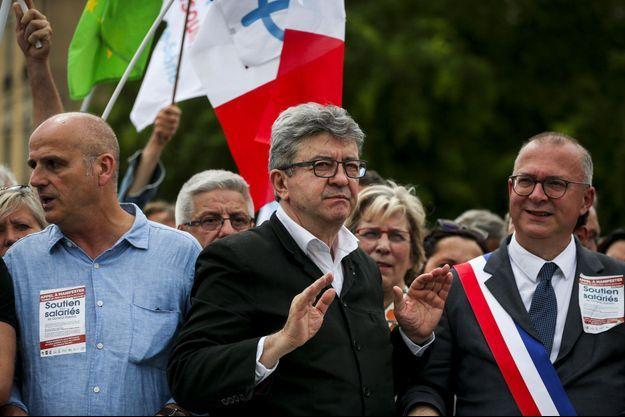 Samedi 22 juin, Jean-Luc Mélenchon participe à une manifestation de soutien aux salariés de General Electric à Belfort.