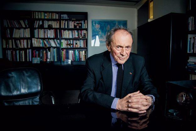 Michel Rocard, dans ses bureaux parisiens, le 30 mai.