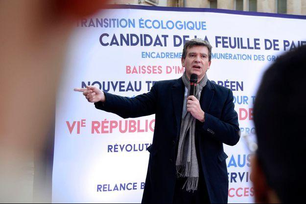 Arnaud Montebourg vendredi à Bordeaux, pour son stand-up.