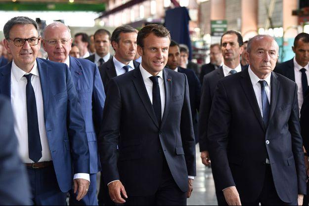 Emmanuel Macron entouré de David Kimelfeld et de Gérard Collomb.