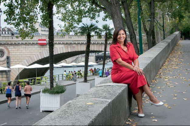 """Les quais de Seine rendus aux circulations douces, symbole du bras de fer d'Anne Hidalgo contre la """"bagnole""""."""