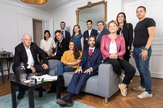 Le 11 octobre, Cédric Villani pose pour Paris Match entouré de son équipe, dans son QG de campagne, rue d'Arcole, dans le IVe arrondissement