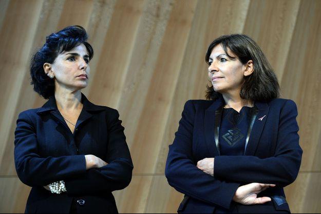Rachida Dati et Anne Hidalgo en 2014 à la tour Eiffel à Paris.