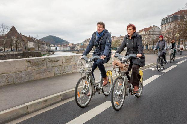 Lundi 24 février, Yannick Jadot avec Anne Vignot, tête de liste EELV à Besançon.