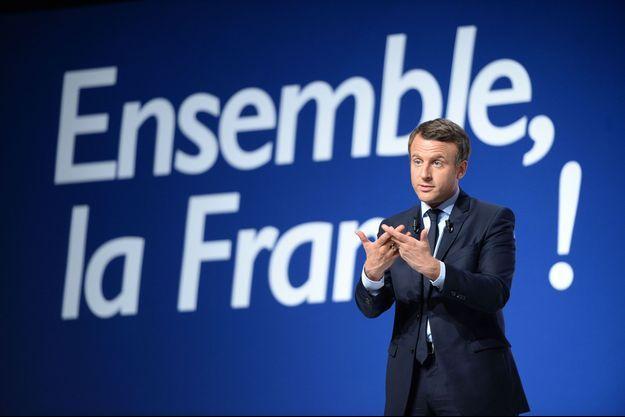 Emmanuel Macron vendredi soir lors d'un meeting à Châtellerault.