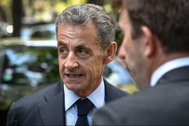 Nicolas Sarkozy, fin juin lors d'obsèques à Neuilly-sur-Seine.