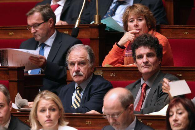 Noël Mamère à l'Assemblée nationale, mercredi. Le député n'a pas prévu de quitter le groupe écologiste.