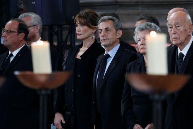 François Hollande, Carla Bruni, Nicolas Sarkozy, Anne-Aymone Giscard d'Estaing et Valéry Giscard d'Estaing aux obsèques de Jacques Chirac, le 30 septembre.
