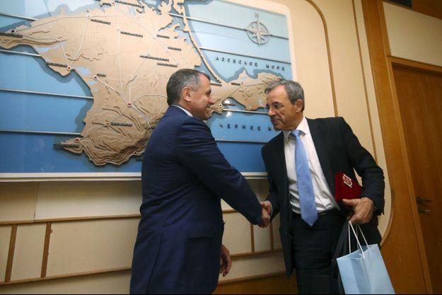 Thierry Mariani (à droite) avec Vladimir Konstantinov, président du Conseil d'Etat de Crimée, l'assemblée créée après le référendum.