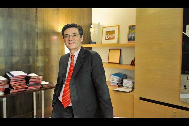 Patrick Devedjian soutient François Fillon à la présidence de l'UMP.