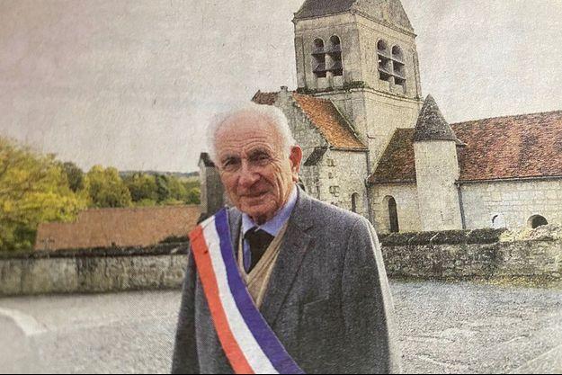 Paul Girod, 88 ans, maire de Droizy depuis six décennies.