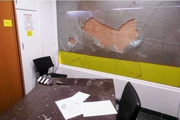 La permanence du député LREM Romain Grau attaquée, samedi dernier à Perpignan.