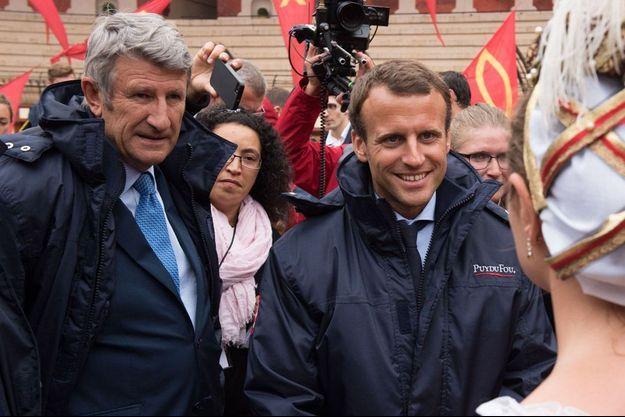 Philippe de Villiers et Emmanuel Macron, ici au Puy du Fou en août 2016.