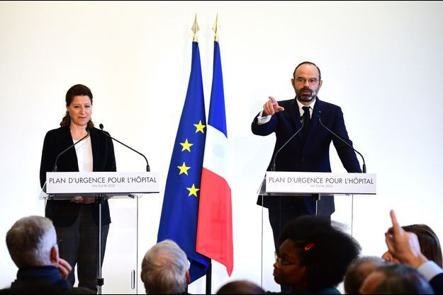 Agnès Buzyn et Edouard Philippe en conférence de presse à Paris le 20 novembre 2019.