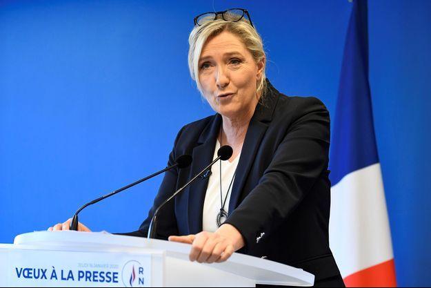 Marine Le Pen lors de ses vœux à la presse, jeudi, au siège du RN à Nanterre.