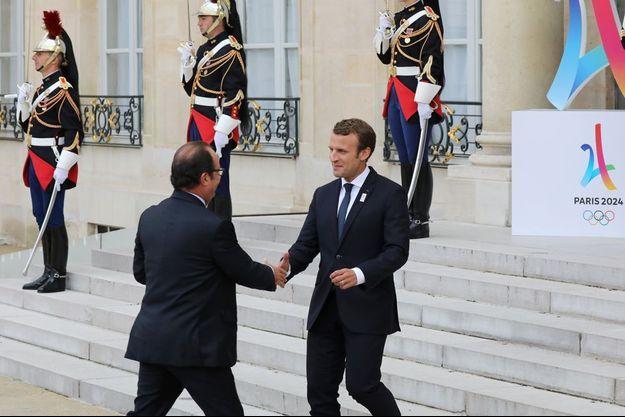 François Hollande et Emmanuel Macron le 15 septembre dernier.
