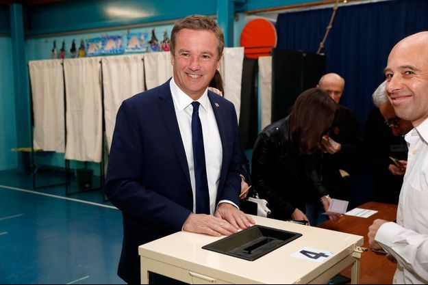 Nicolas Dupont-Aignan a voté à Yerres.