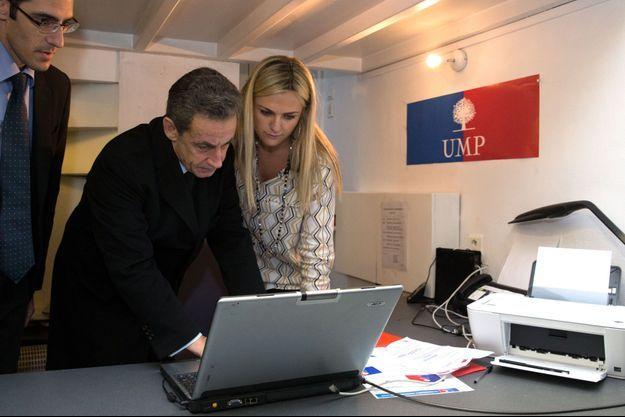 Nicolas Sarkozy vote, samedi, à Paris.