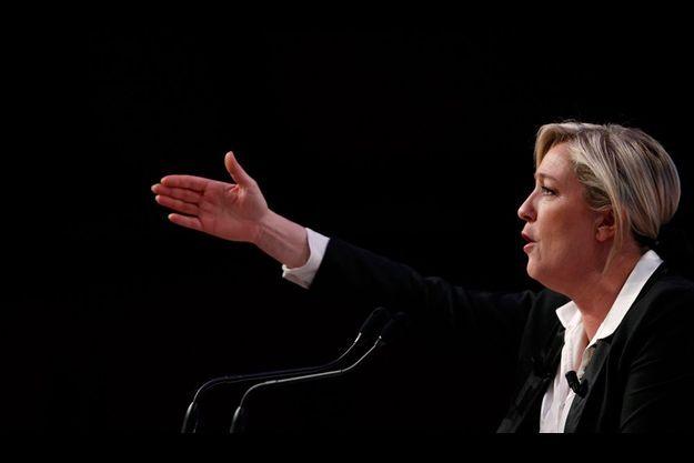 Diamnche dernier à Strasbourg, Marine Le Pen est retournée à ses fondamentaux : insécurité et immigration.