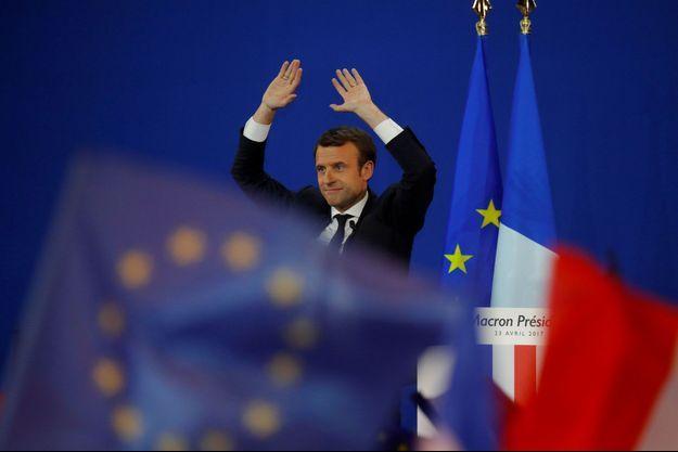 Emmanuel Macron dimanche soir, lors de son discours à Paris.