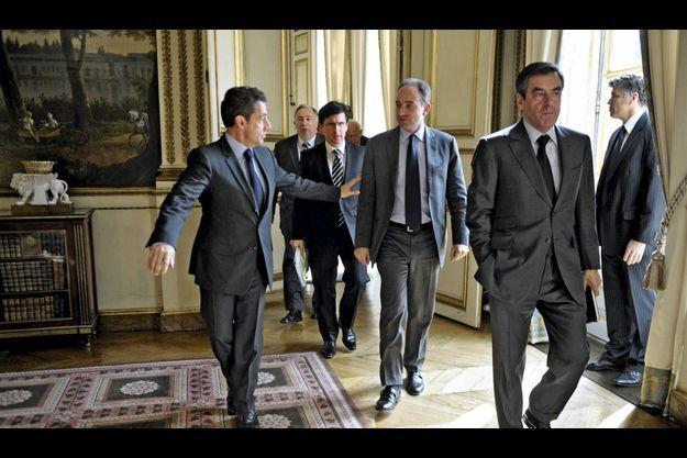Nicolas Sarkozy, Jean François Copé, François Fillon et des sénateurs UMP en mars 2011.