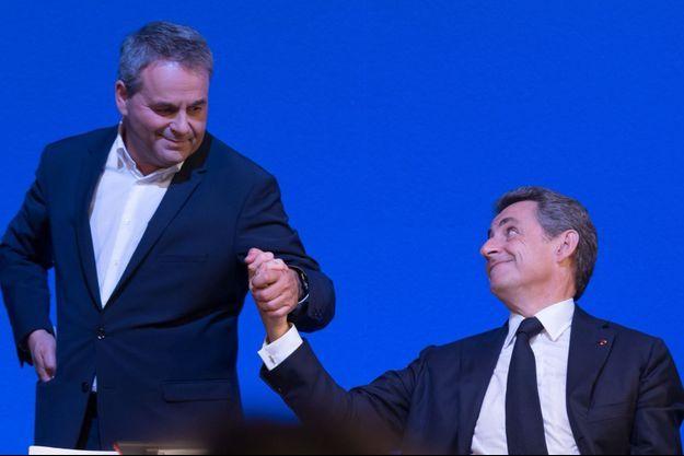 Xavier Bertrand et Nicolas Sarkozy en novembre 2015.