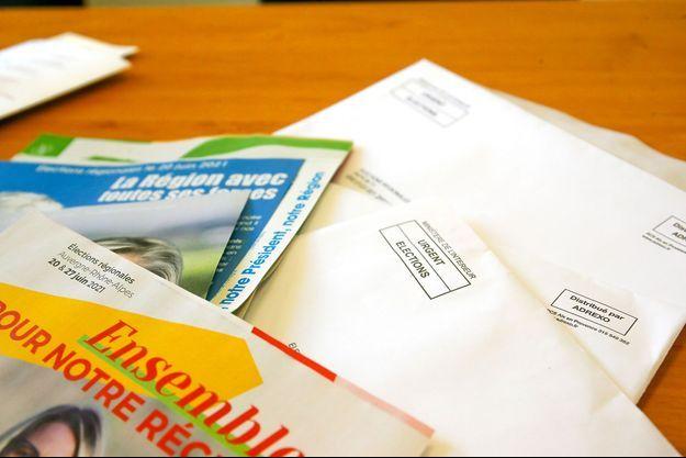 Enveloppes et propagande électorale en Auvergne-Rhône-Alpes, le 25 juin dernier.
