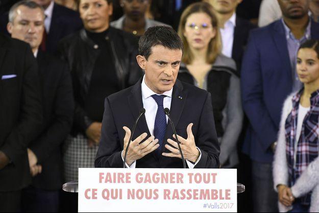 Manuel Valls lors de son discours de candidature à la primaire de la gauche, le 5 décembre à Evry.