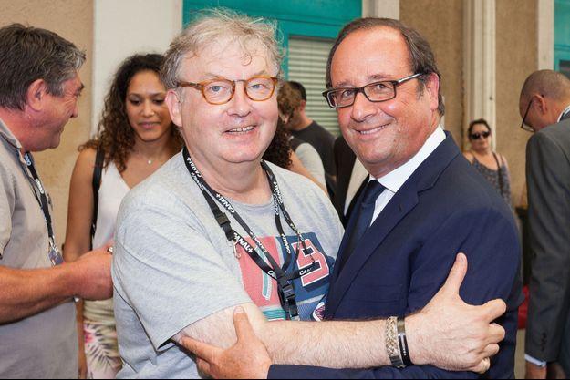 François Hollande et Dominique Besnehard, à Angoulême en août 2017.