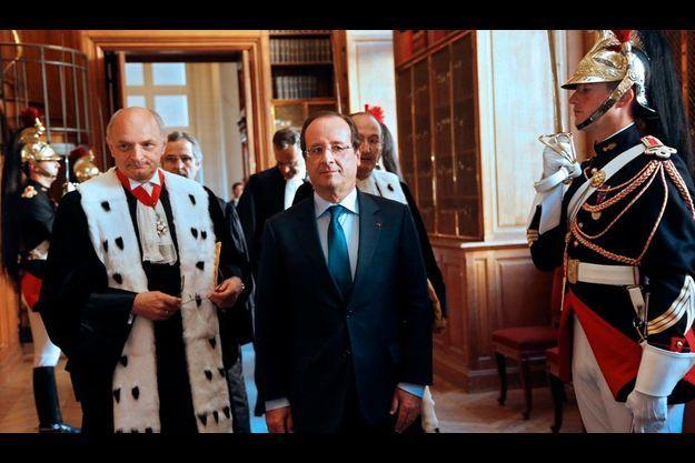 7 septembre. François Hollande, à son arrivée à la Cour des comptes pour l'audience solennelle. A ses côtés (à g.), Didier Migaud, le premier président de la Cour.