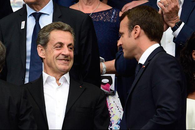 Nicolas Sarkozy et Emmanuel Macroin, ici au Stade de France fin mai lors de la finale de la Coupe de France entre le PSG et Angers.