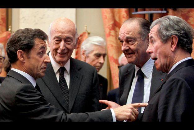 """Nicola Sarkozy, Jacques Chirac, Valéry Giscard d'Estaing et Jean-Louis Debre, quatre """"sages"""" du Conseil constitutionnel."""