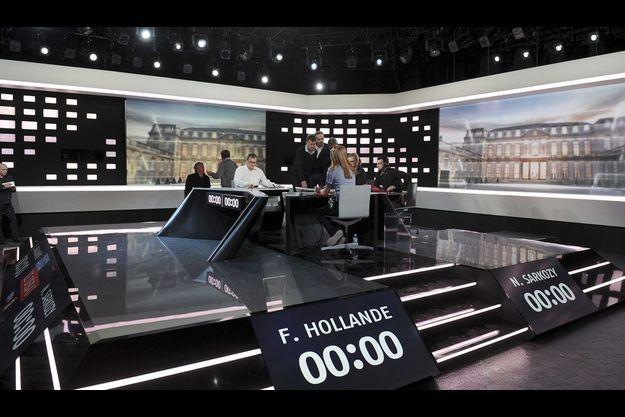 Le plateau du débat de mercredi soir.