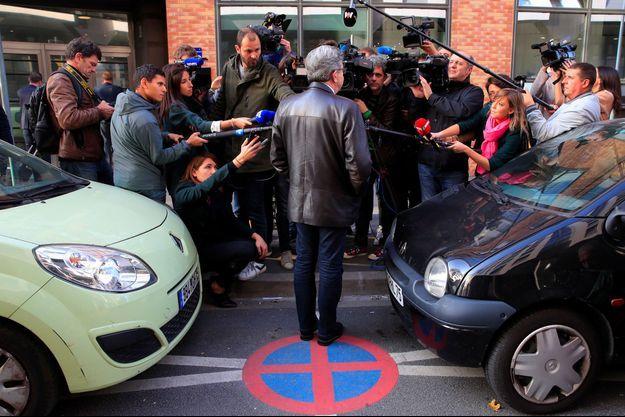 Jean-Luc Mélenchon devant la presse, le 18 octobre 2018, à Nanterre, deux jours après la perquisition.