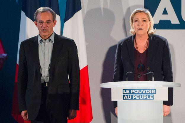 Thierry Mariani et Marine Le Pen au Thor, samedi dernier.